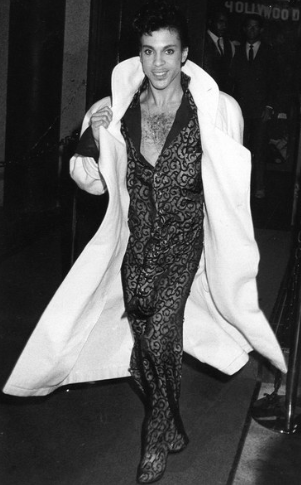 10 A billowing coat in Hollywood, 1985