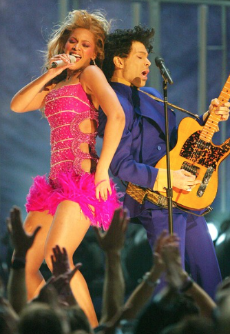 9 A performance with Beyoncé at the 2004 Grammy Awards show