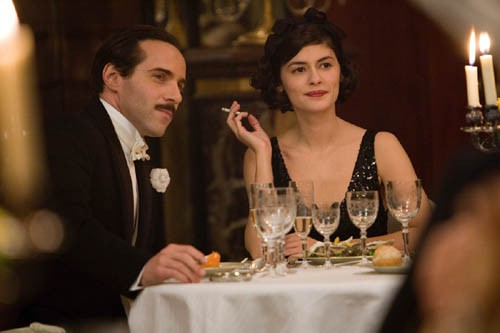 OCO2498 Audrey Tautou as COCO CHANEL and Alessandro Nivola as BOY CAPEL in Anne FontaineÕs COCO AVANT CHANEL. PHOTOGRAPHS TO BE USED SOLELY FOR ADVERTISING, PROMOTION, PUBLICITY OR REVIEWS OF THIS SPECIFIC MOTION PICTURE AND TO REMAIN THE PROPERTY OF THE STUDIO. NOT FOR SALE OR REDISTRIBUTION.