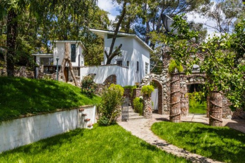 lady-gaga-frank-zappa-house-3-1474493354-640x426