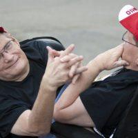 世界最高齢のシャム結合双生児68歳で死去